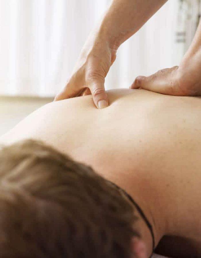young-man-at-the-physio-therapy-PBUVEBA